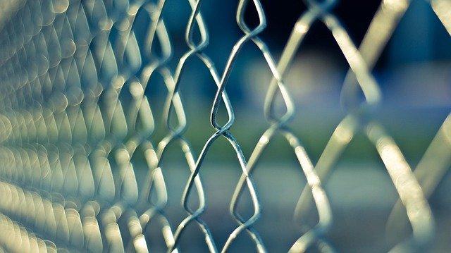 Klasický pletivový plot